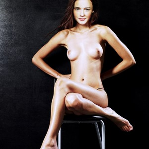 Alexis Bledel Naked Celebrity Pic sexy 24