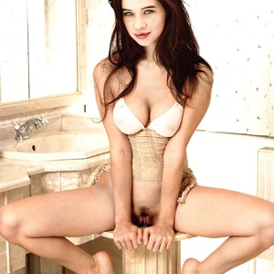 Anna Popplewell nude celebrity pictures