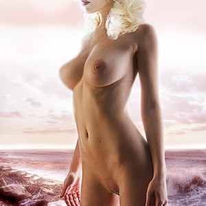 Judith Roberts  nackt