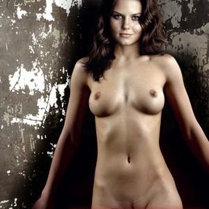 Emily Deschanel naked celebrity pics