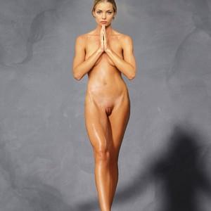 Jaime Pressly free nude celeb pics