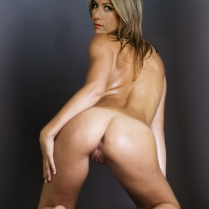 Jennifer Aniston naked celebrities