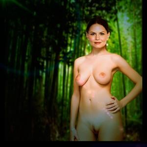 Lindsey Campbell  nackt