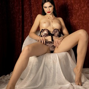 Jessie J nude celeb