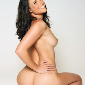 Julia Louis-Dreyfus nude celebrity