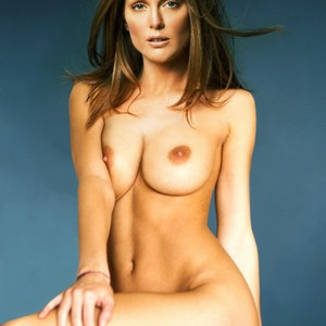 Julianne Moore nude celebrity pictures