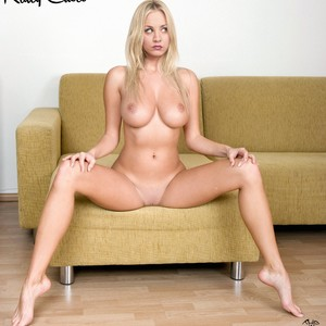 Kaley Cuoco celebrity naked pics