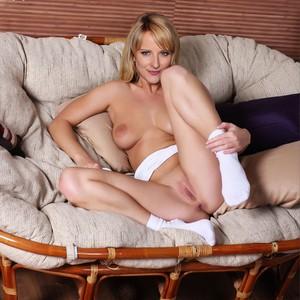 Melissa Latouche  nackt