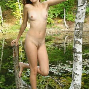 Mena Suvari naked celebrities