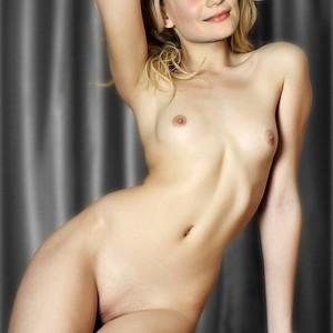 Mia Wasikowska celeb nude