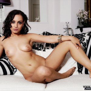 Mila Kunis celebrity nude