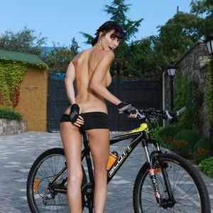 Milla Jovovich celebrities naked