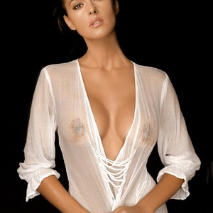 Monica Bellucci naked celebrity