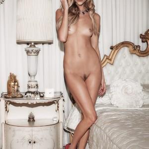 Natalie Dormer naked