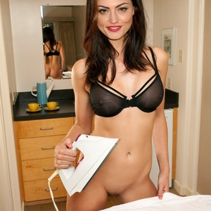 Phoebe Tonkin naked celebrity pictures