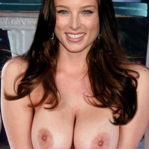 Huge balls in the shower mobile porno videos