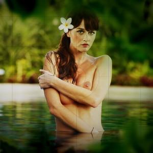 Robin Tunney free nude celeb pics