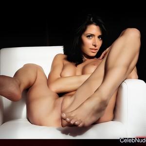 sarah shahi nudes