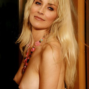 Nackt sharon carter Sharon Carter