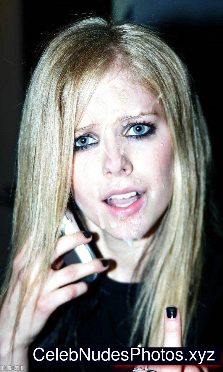 Ideal Avril Levigne Nude Free Pictures Scenes