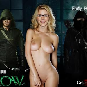 Emily Bett Rickards Naked